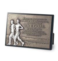 Placa mica in relief The Goal, Couple running